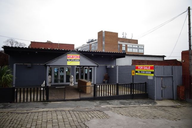 Thumbnail Pub/bar for sale in Bank Street, Wakefield