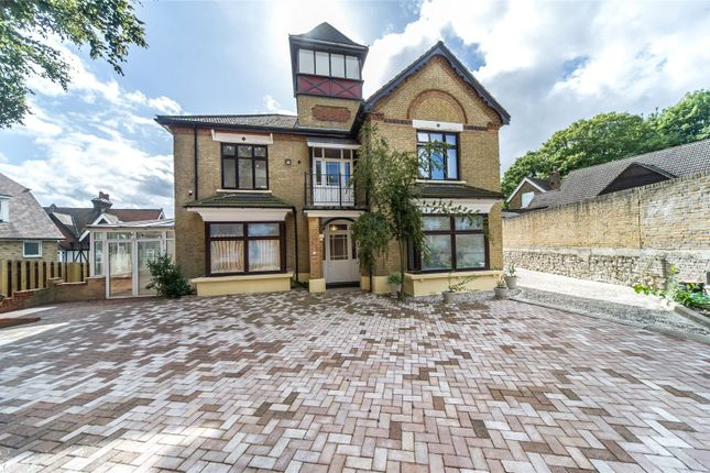 Thumbnail Detached house for sale in London Road, Strood, Kent