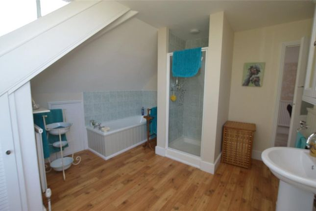 Family Bathroom of Holwell Road, Brixham, Devon TQ5