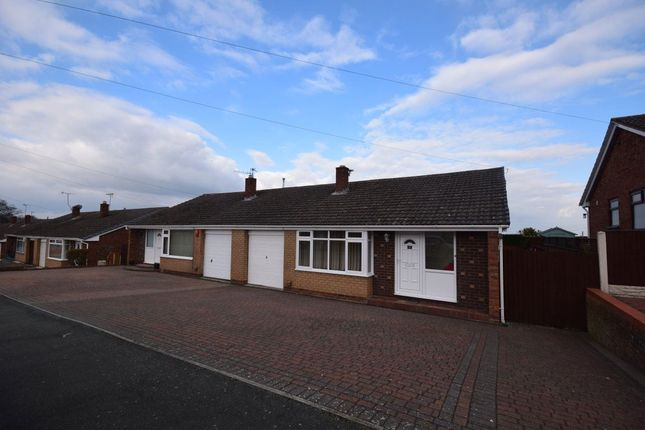 Thumbnail Bungalow to rent in Ffordd Cynan, Wrexham