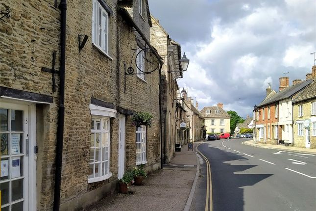Picture No. 11 of Burford Road, Lechlade GL7