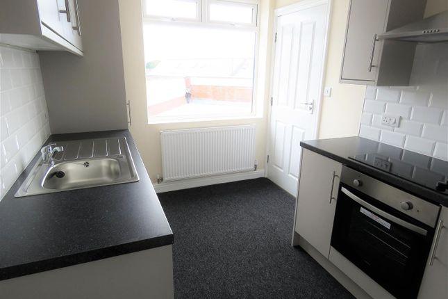 Thumbnail Flat to rent in Market Street, Eckington, Sheffield