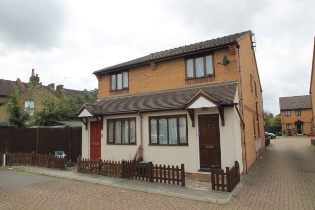 Thumbnail Property to rent in Salisbury Mews, Salisbury Road, Bromley