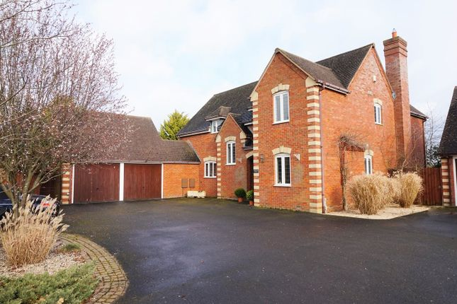 Thumbnail Detached house for sale in Walton Way, Wellesbourne