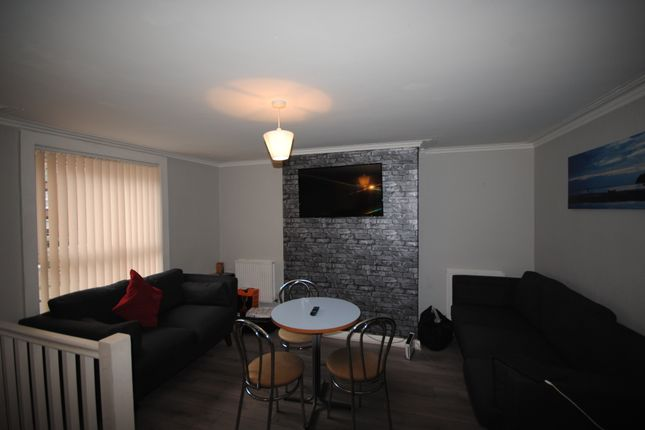 Thumbnail Terraced house to rent in 36 Harold Mount, Hyde Park, Leeds, Hyde Park