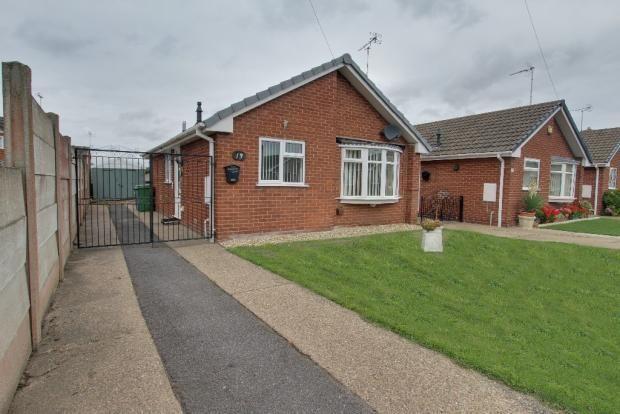 Thumbnail Semi-detached bungalow to rent in Windsor Drive, Warsop, Mansfield, Nottinghamshire