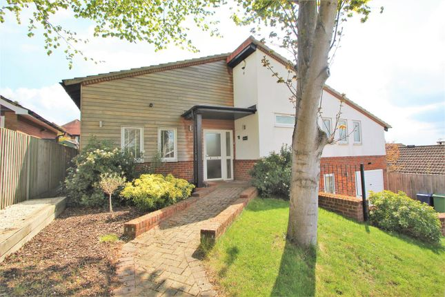 Thumbnail Detached house for sale in Foxhill Close, High Wycombe