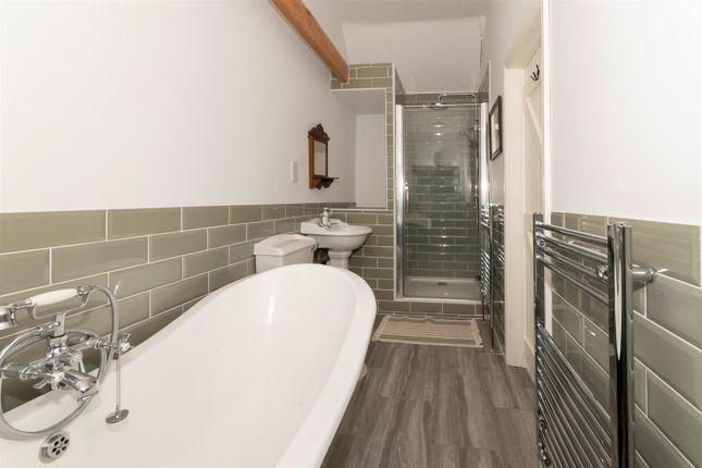 Hf - Bathroom of Main Street, Greetham, Oakham LE15
