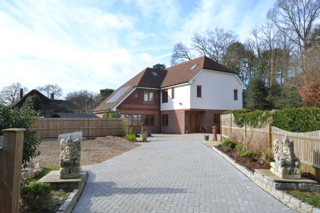 Thumbnail Detached house for sale in Farmhouse Close, Pyrford