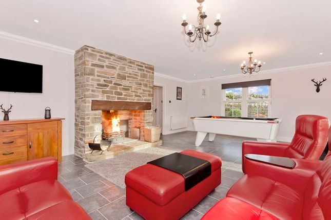 Lounge of Thatched Cottage, Murroes, Broughty Ferry DD5