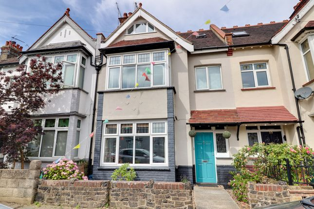 Woodfield Park Drive, Leigh-On-Sea SS9