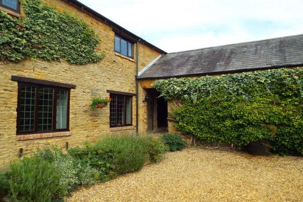 Thumbnail Flat to rent in The Annexe, Lavender Hill Farm, Overstone