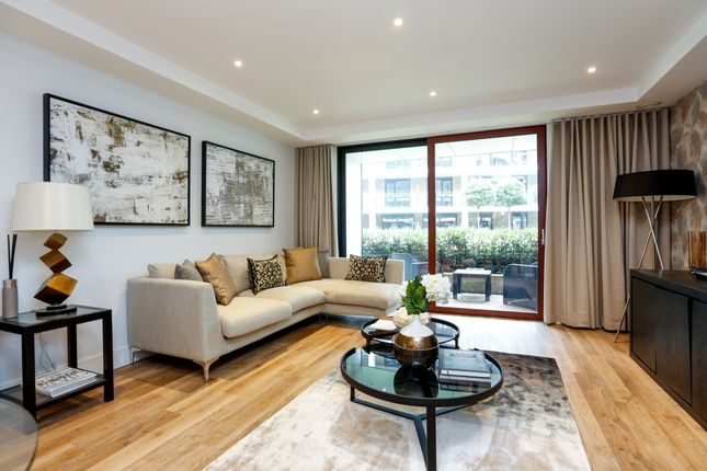 Thumbnail Flat to rent in Knaresborough Drive, London