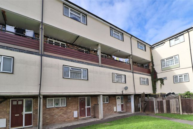 2 bed flat for sale in Frenchs Wells, Horsell, Woking GU21