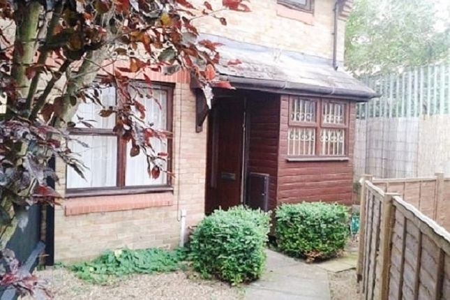 1 bed semi-detached house to rent in 8 Windrose Close, London SE16