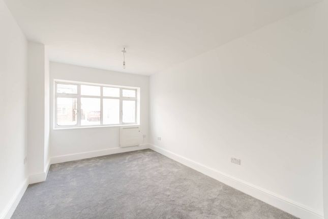 Thumbnail Flat to rent in Ashburton Road, Ruislip Manor, Ruislip