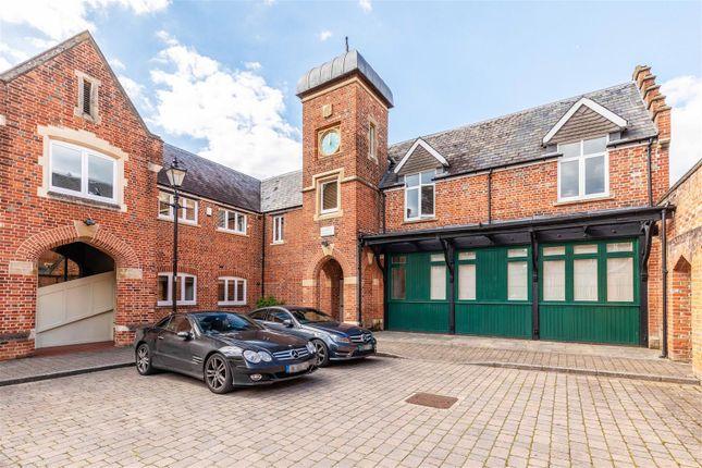 Thumbnail Flat for sale in Longbourn, Windsor