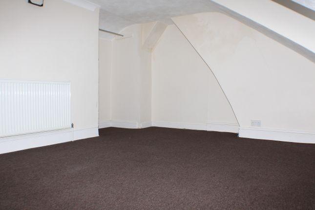 Thumbnail Flat to rent in Somerset Road, Ashford