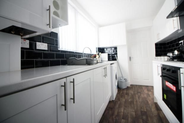 Thumbnail Shared accommodation to rent in Essex Street, Middlesbrough