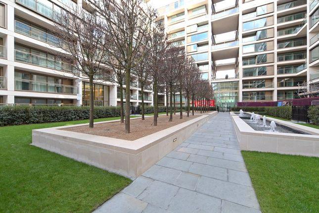 Picture No. 10 of Kensington High Street, London W14