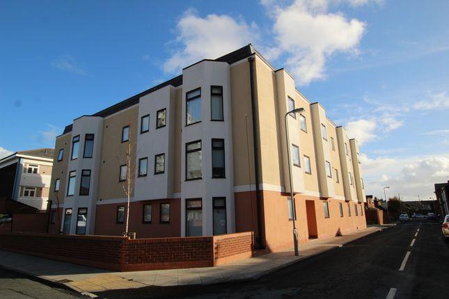 Thumbnail Flat to rent in Queen Street, Waterloo, Liverpool