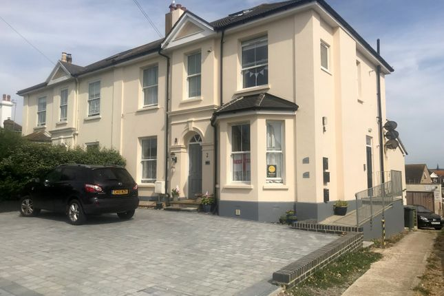 Thumbnail Flat to rent in Salisbury Road, Seaford