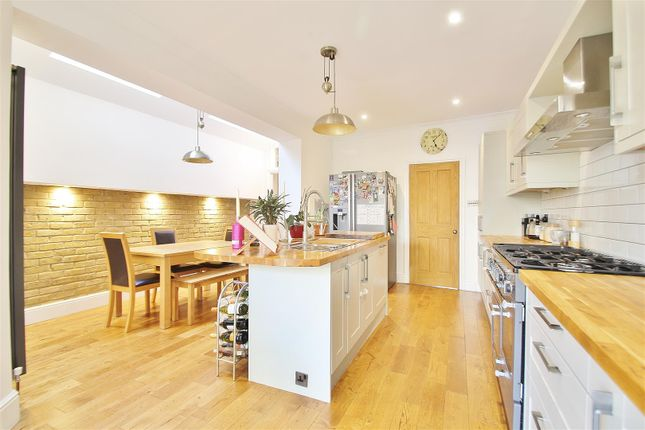 Thumbnail Property to rent in St. Johns Road, Isleworth