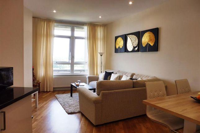 Thumbnail Flat to rent in Park Street, Ashford