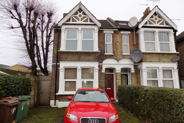 2 bed flat for sale in Chingford Mount Road, London