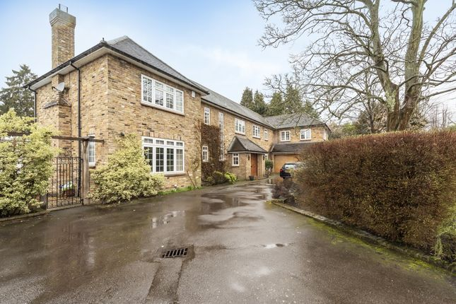 Thumbnail Detached house to rent in Hill Waye, Gerrards Cross