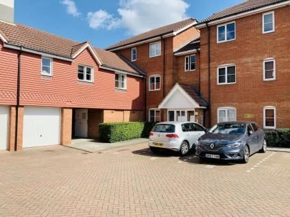 Thumbnail Flat to rent in Vancouver Road, Broxbourne
