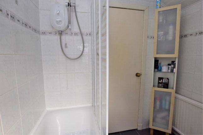 Bathroom of King Street, Hamilton ML3