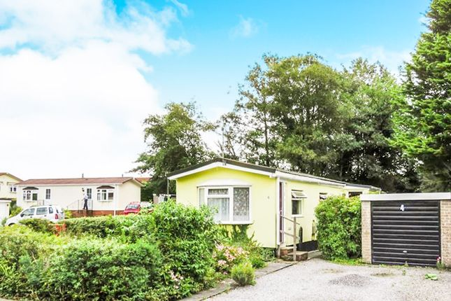 Thumbnail Mobile/park home for sale in New Park, Bovey Tracey, Newton Abbot