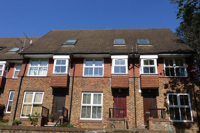 Thumbnail Flat to rent in Windmill Rise, Kingston Upon Thames