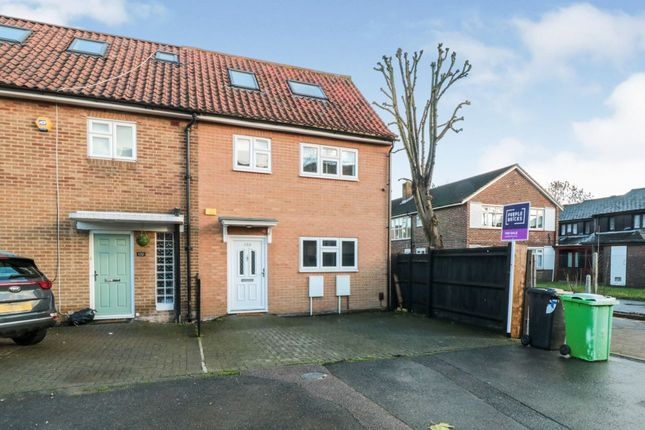 3 bed end terrace house for sale in Chingford Mount Road, London E4