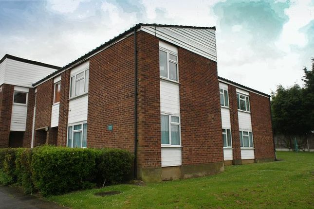 Thumbnail Flat for sale in Kimberley Road, Benfleet