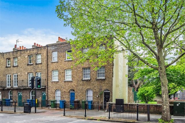 3 bed end terrace house for sale in Abbey Street, London SE1