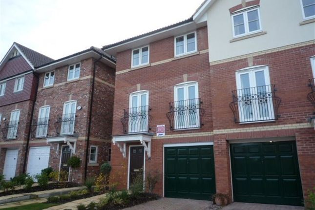 Thumbnail Town house to rent in Abbeydale Close, Cheadle Hulme, Cheadle