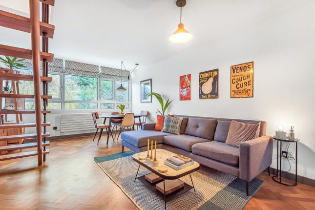 Thumbnail Flat for sale in Heath Royal, Putney