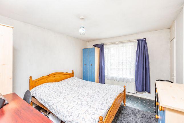 Bedroom of Strand Close, Meopham, Gravesend DA13