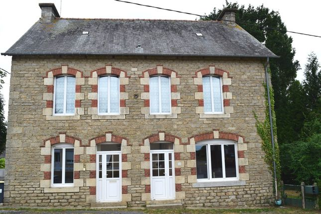 4 bed detached house for sale in 56490 Saint-Malo-Des-Trois-Fontaines, Brittany, France