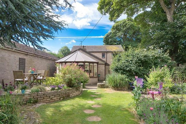 Thumbnail Detached house for sale in Southcombe, Chipping Norton