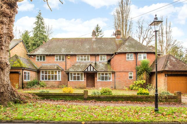 Thumbnail Detached house for sale in South Approach, Moor Park