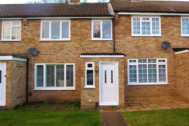 Thumbnail Terraced house for sale in Triggs Close, Woking