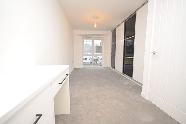 Thumbnail Flat to rent in Upminster Road, Upminster