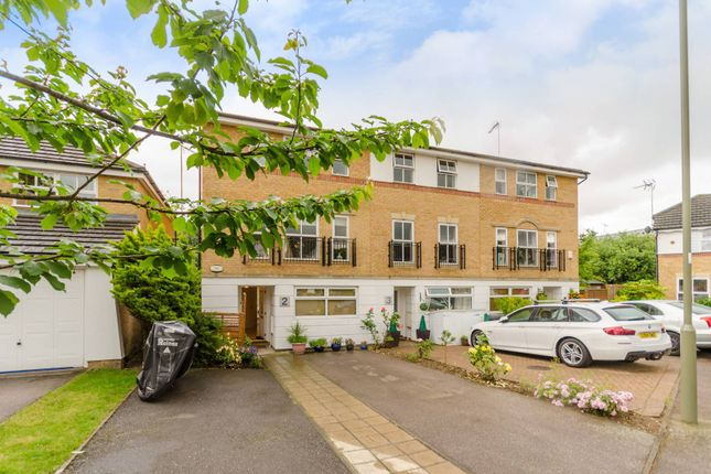 Thumbnail Property for sale in Cheddar Close, Friern Barnet