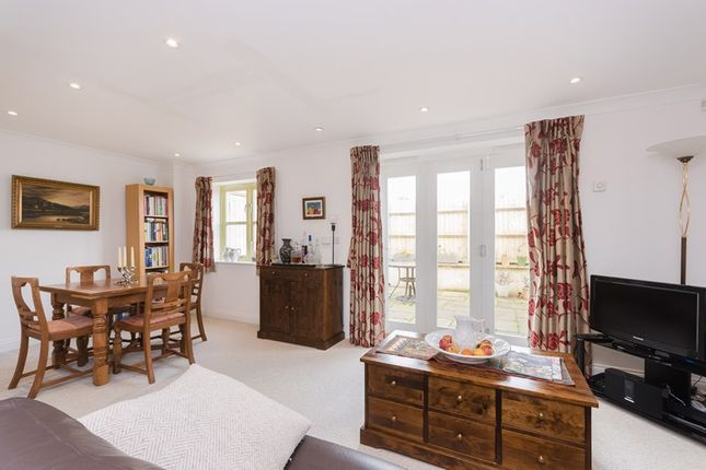 Burford road chipping norton ox7 3 bedroom end terrace for Kitchens chipping norton