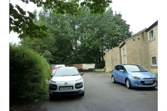 Off Road Parking of High Street, Heckmondwike WF16