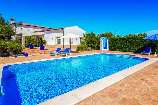 Villa And Pool of Mexilhoeira Grande, Portimão, Portugal