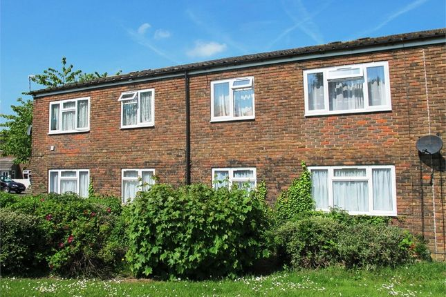 Thumbnail Maisonette to rent in Falkland Road, Basingstoke